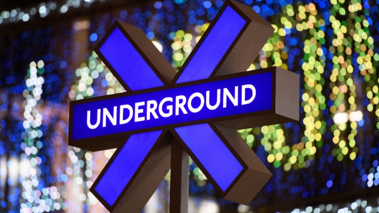 croix metro londre uk